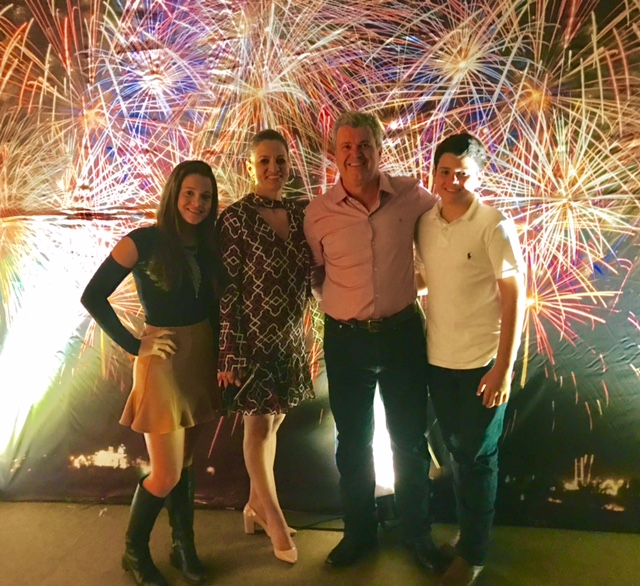 União familiar: Gabriela Cuzzi, Carla Cuzzi, Júnior Fernandes e Jaime Cuzzi Fernandes.